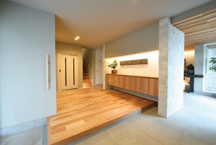 玄関 広い 風水で玄関は重要なポイント!玄関に取り入れたい8つの開運アイテム